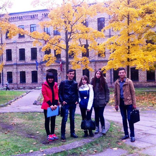 Золотая осень в Европе очаровывает, тем более, когда ты в компании друзей из Самарканда!
