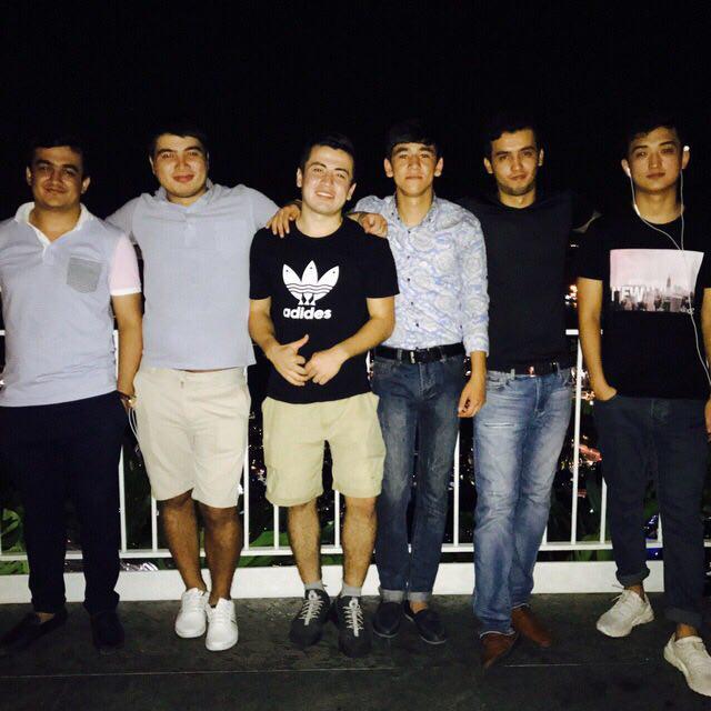 Большая и дружная компания из Узбекистана